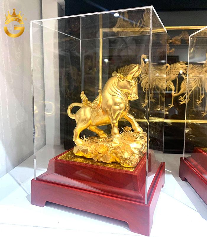 Tượng bò vàng 24k, quà tặng phong thủy để bàn làm việc ý nghĩa