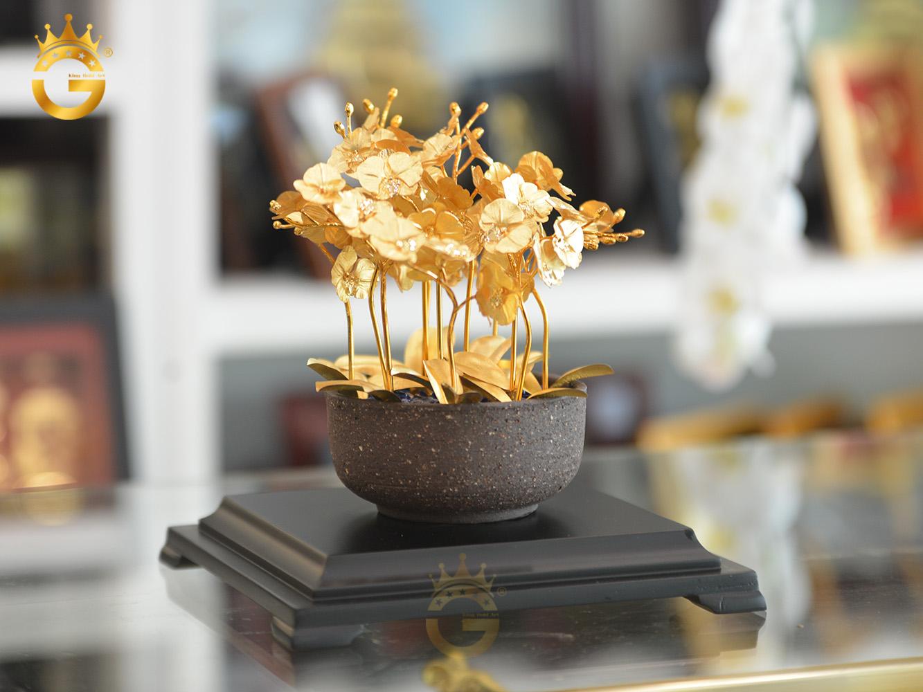Chậu hoa lan hồ điệp 12 cành dát vàng 24k đẹp tinh xảo làm quà tặng khai trương công ty