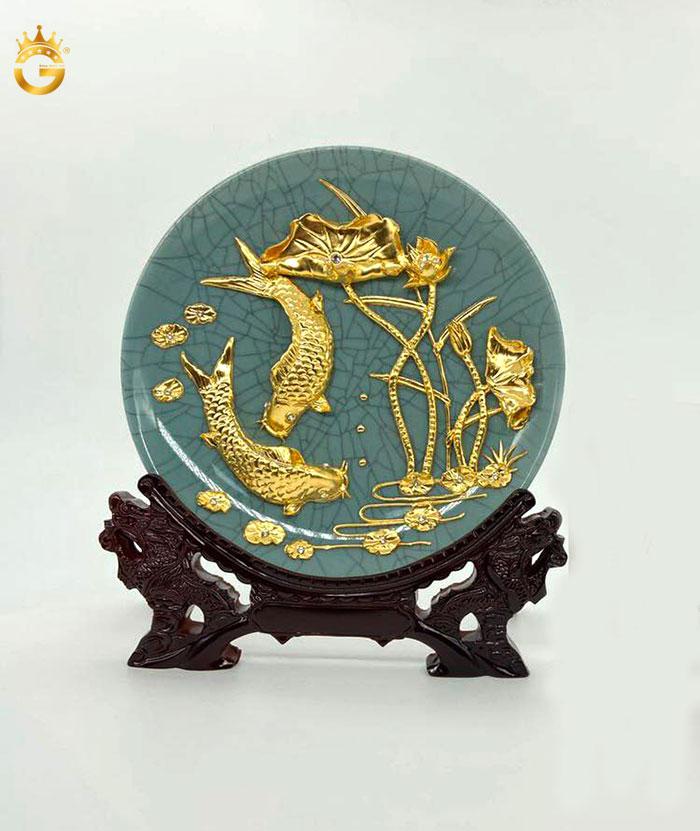 Đĩa cá chép hoa sen dát vàng 24k dk 20 cm để bàn làm việc