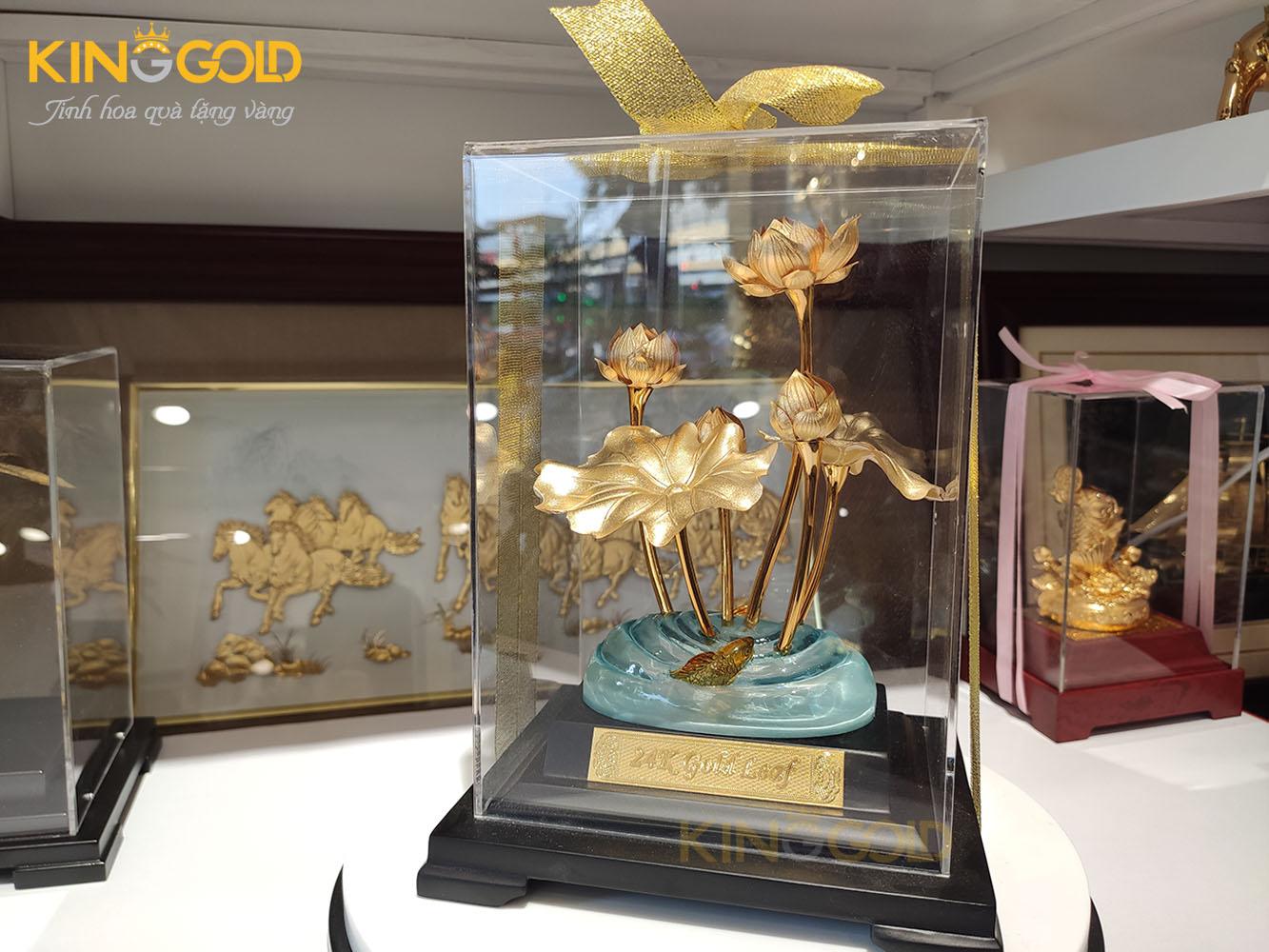 Chậu sen vàng 24k, quà tặng bon sai bông sen dát vàng Việt Nam