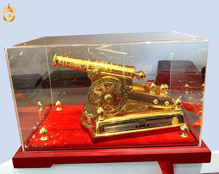 Súng thần công bằng đồng mạ vàng, quà tặng quân nhân cao cấp