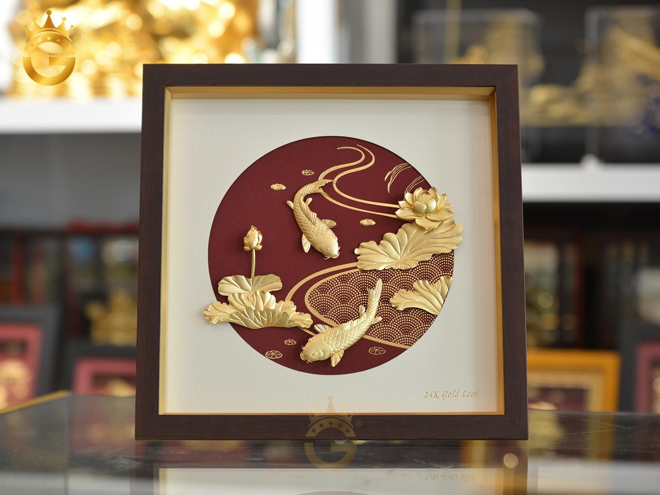 Quà tặng sếp nữ- tranh cá chép hoa sen dát vàng 24k