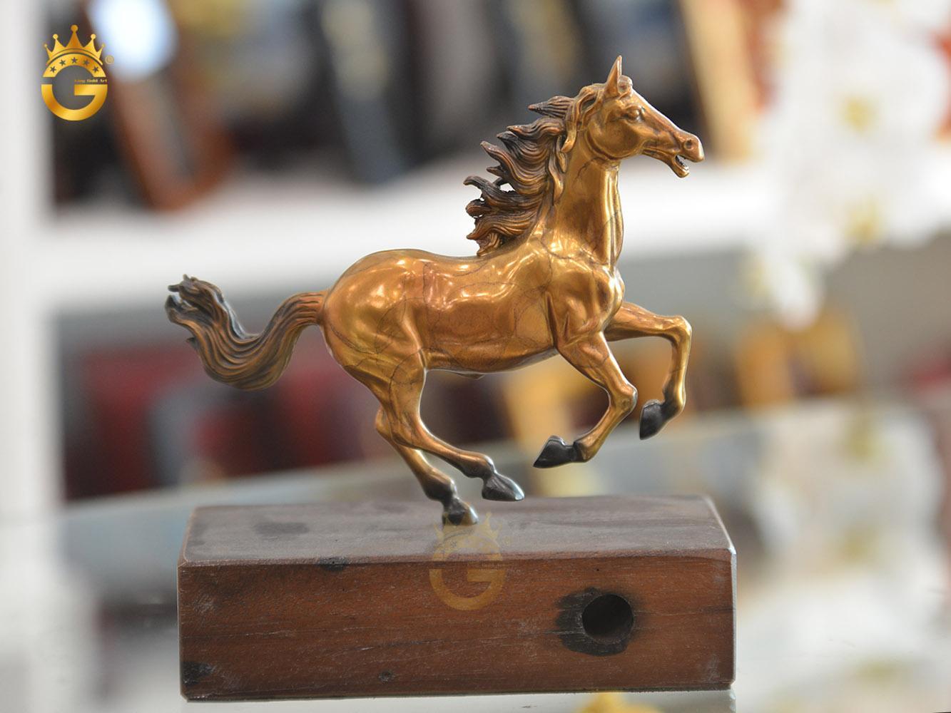 Quà tặng linh vật phong thủy, tượng ngựa đồng đẹp tinh xảo