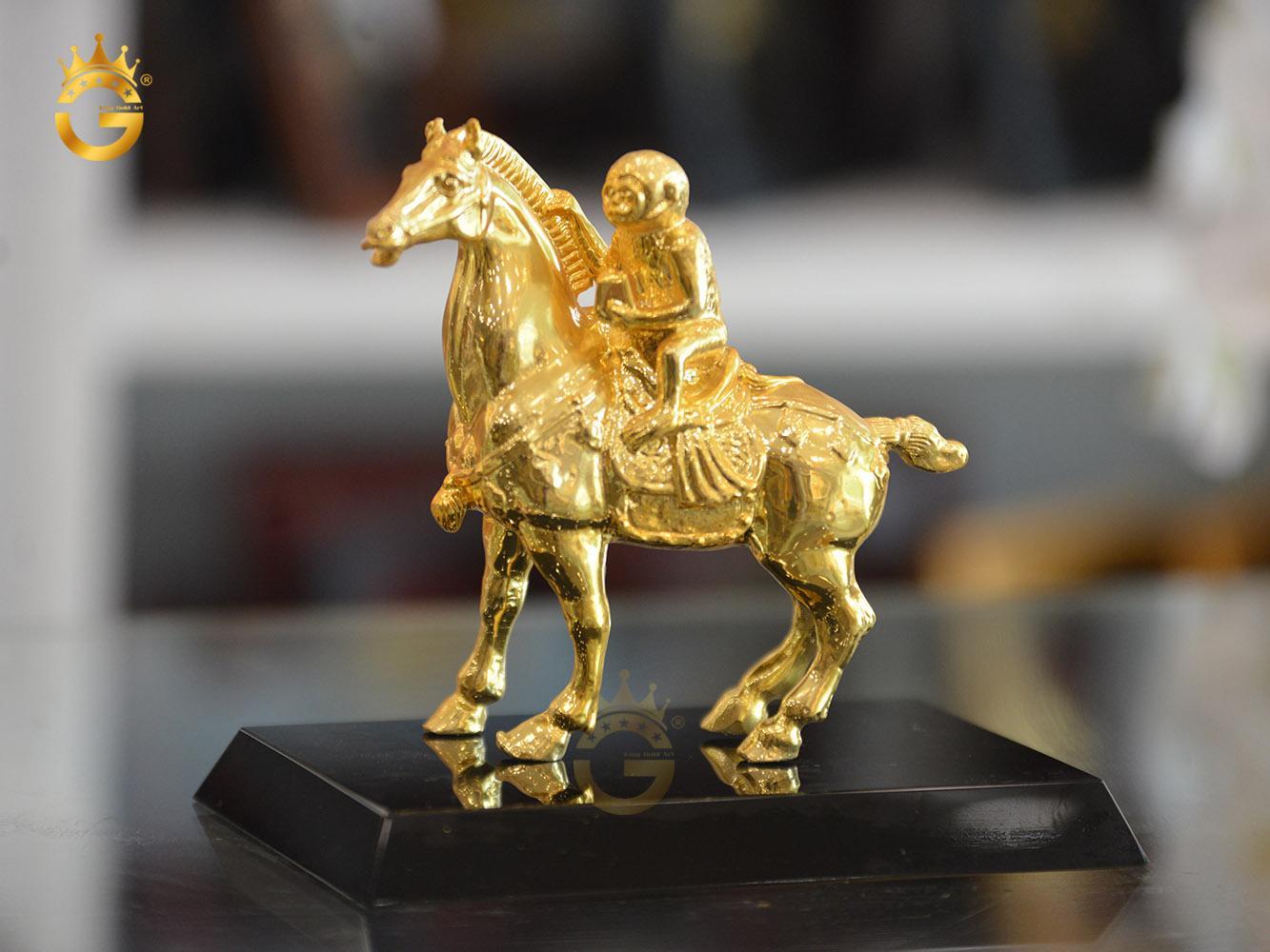 Quà tặng linh vật phong thủy, tượng mã thượng phong hầu mạ vàng 24k