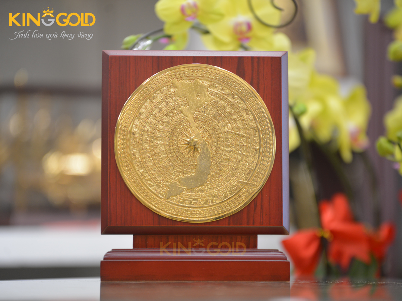 Quà tặng đại hội. Biểu trưng mặt trống đồng mạ vàng 24k sang trọng