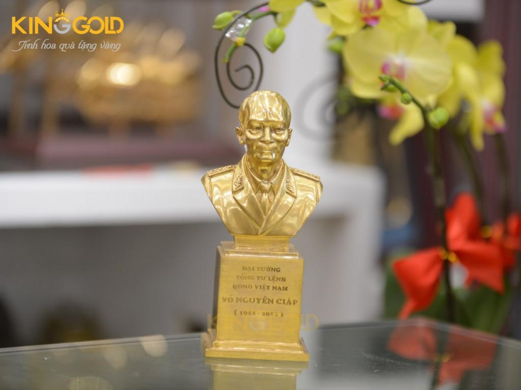 Quà tặng đại hội đảng, tượng Đại Tướng Võ Nguyên Giáp, Tượng Bác Hồ bằng đồng mạ vàng 24k