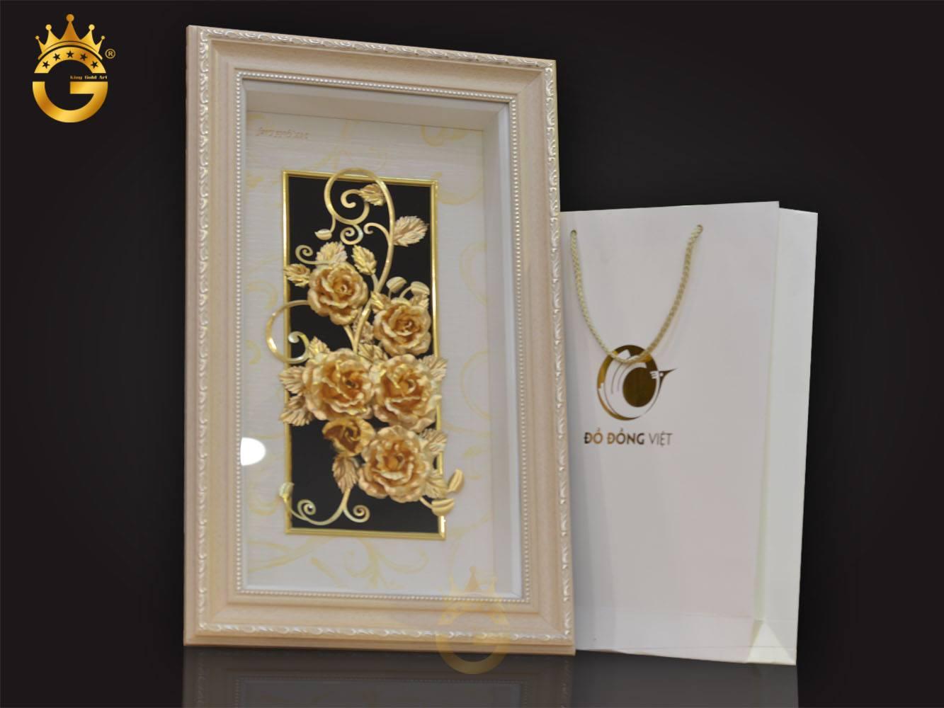 Quà tặng ngày cưới, tranh hoa hồng dát vàng 24k biểu tượng hạnh phúc