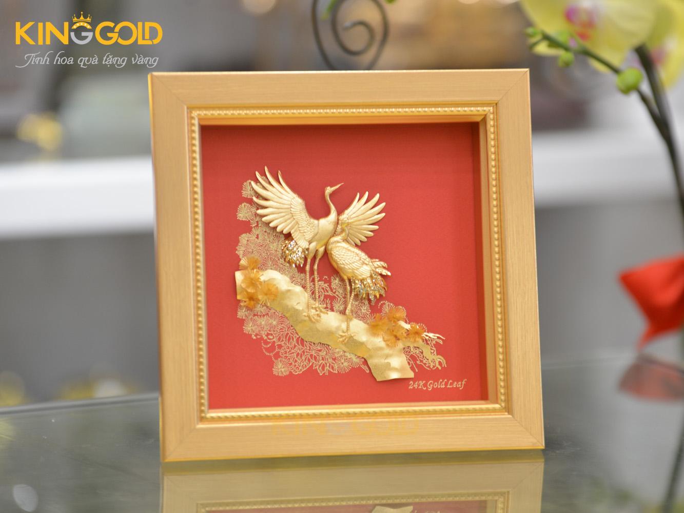 Quà dát vàng 24k Bức tranh vàng 24k tùng hạc diên niên