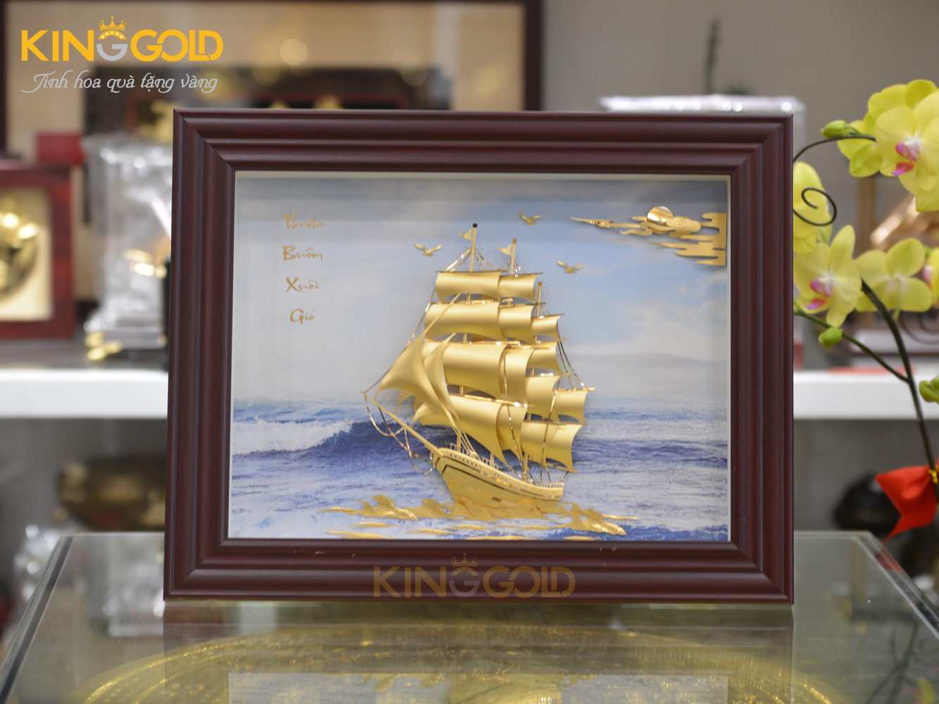 Tranh vàng thuận buồm xuôi gió thay cho lời chúc thuận lợi bình an