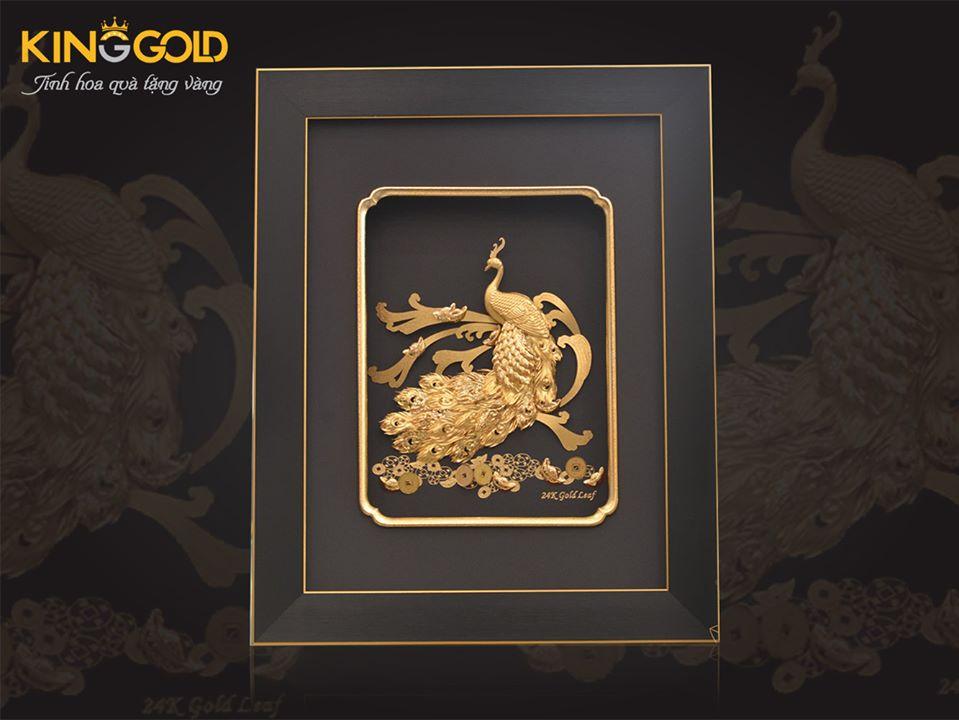 Tranh chim công bằng vàng lá 9999, tranh vàng 24k quà vàng đẹp