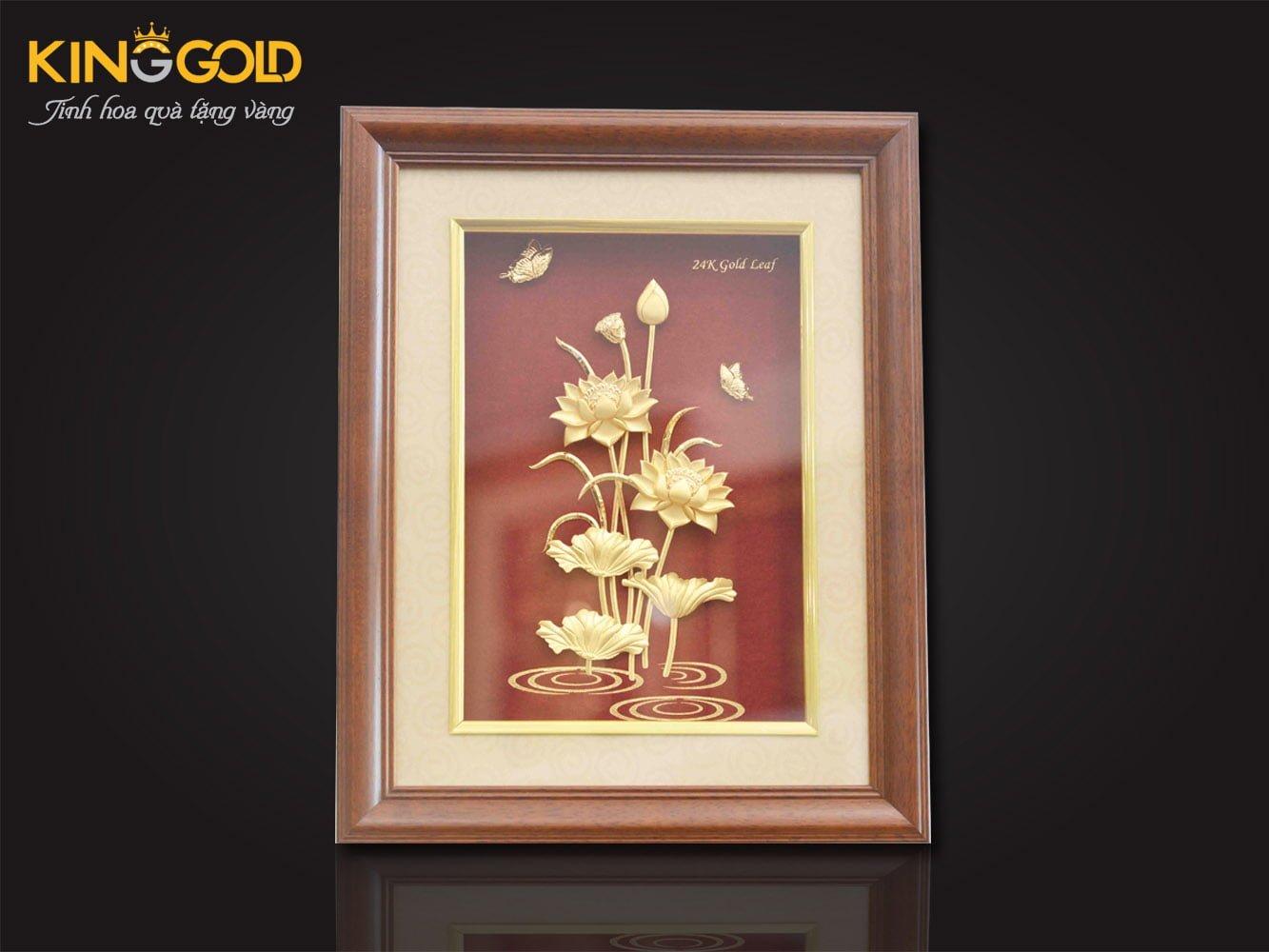 tranh sen vàng