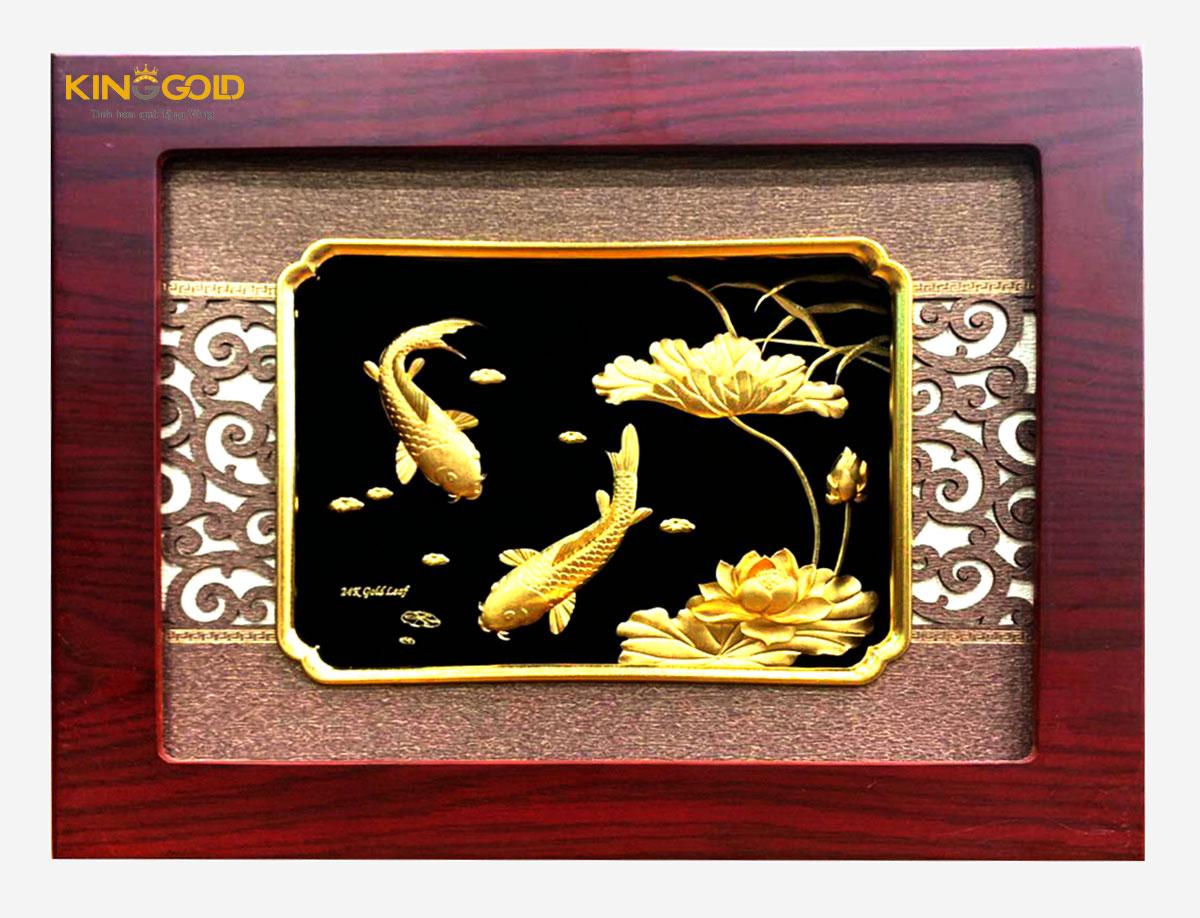 Tranh cá chép hoa sen vàng 24k tài lộc