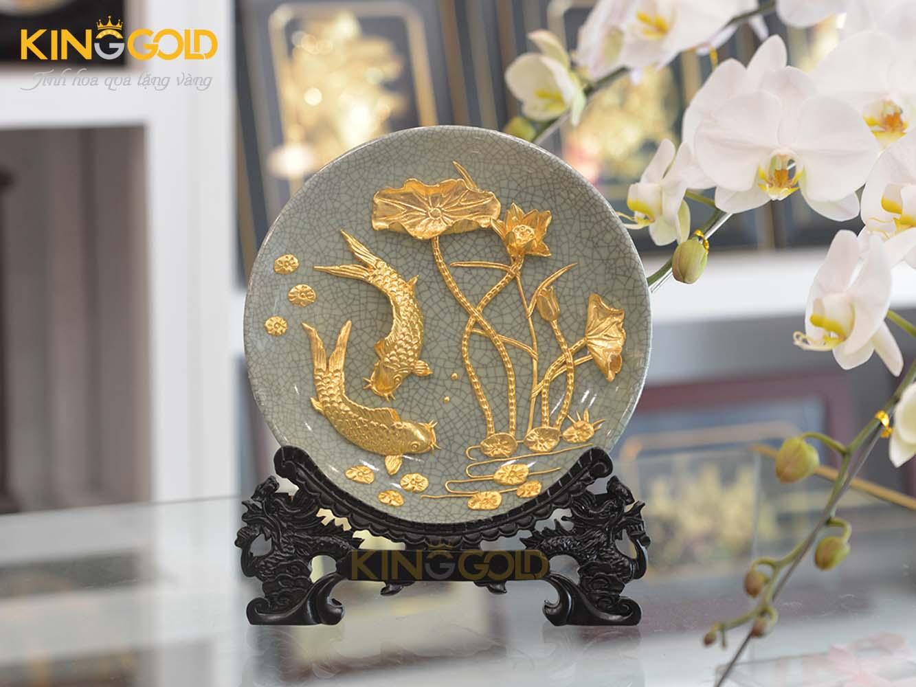Quà tặng cao cấp đĩa vàng cá chép hoa sen