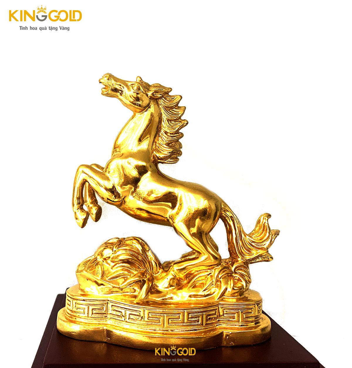 Ngựa đồng dát vàng 999,9 giá trị phong thủy