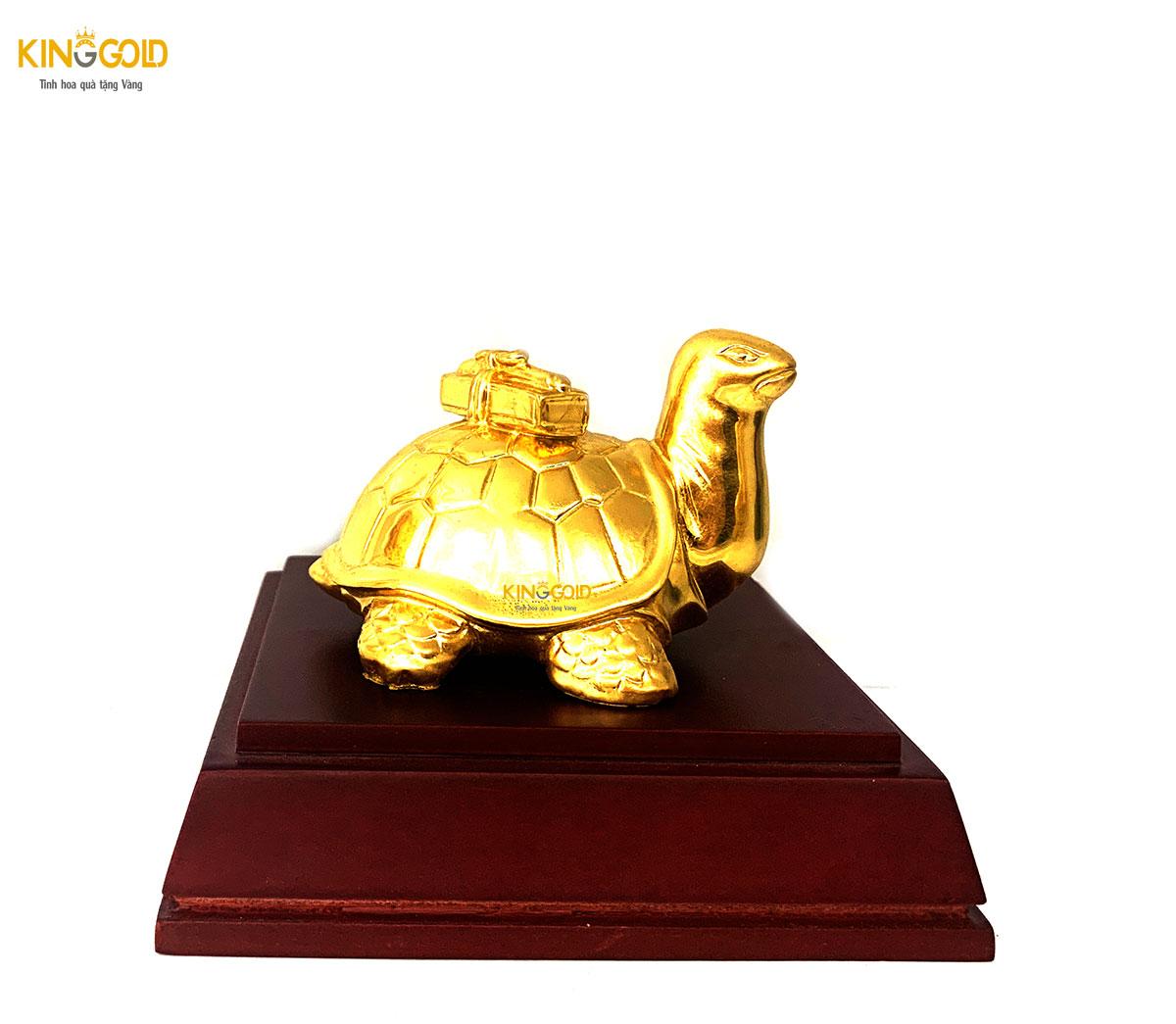 Tượng rùa bằng đồng dát vàng 999,9