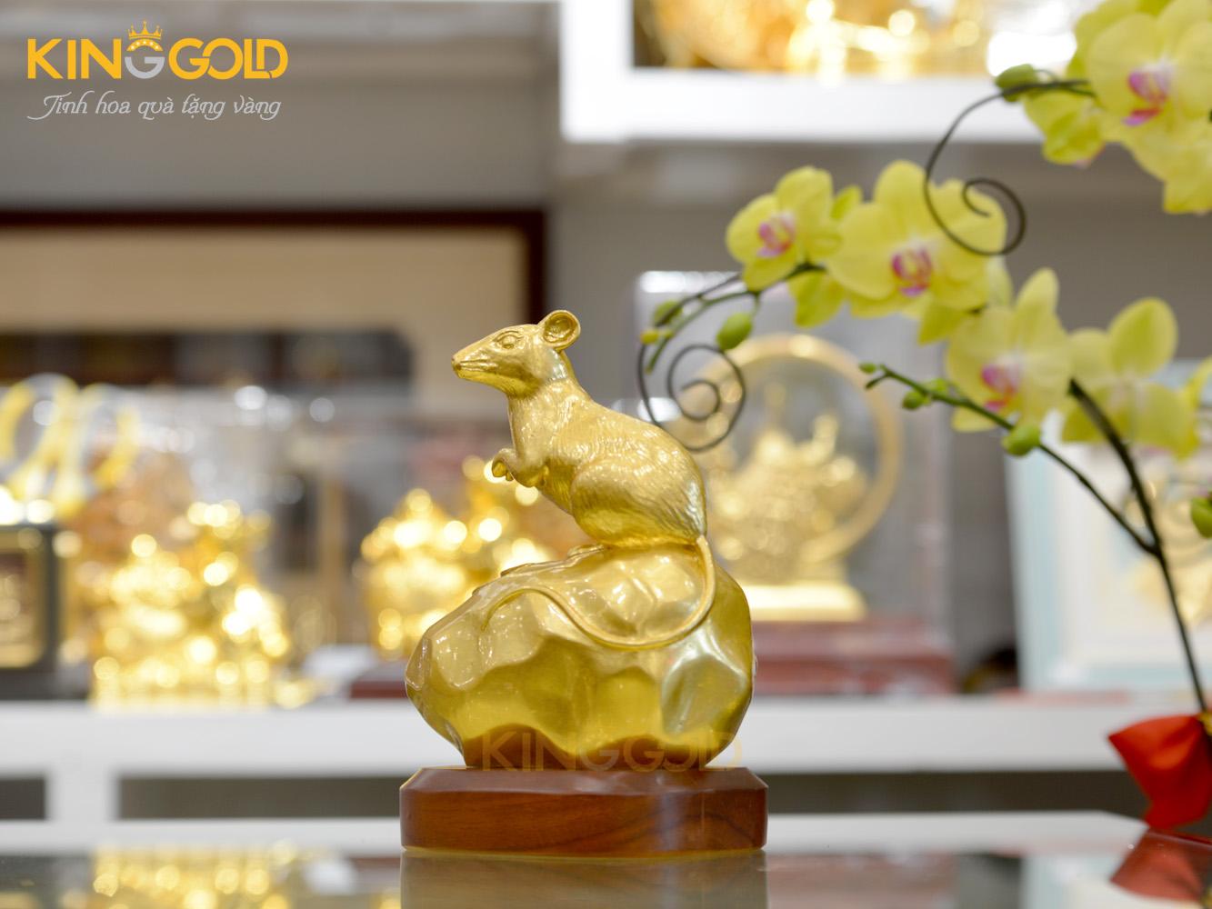 Tượng chuột phú quý dát vàng 999,9 cao 18 cm