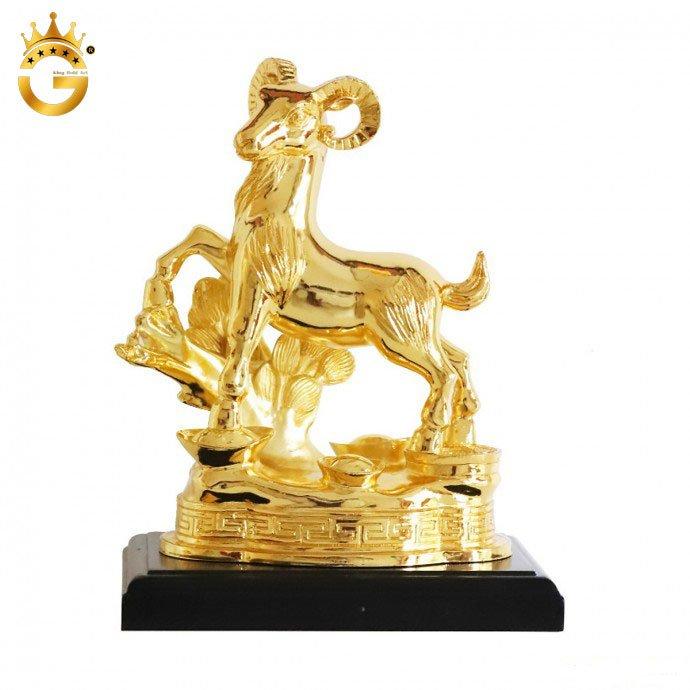 Tượng dê vàng phong thủy để bàn mang tài lộc 19 cm
